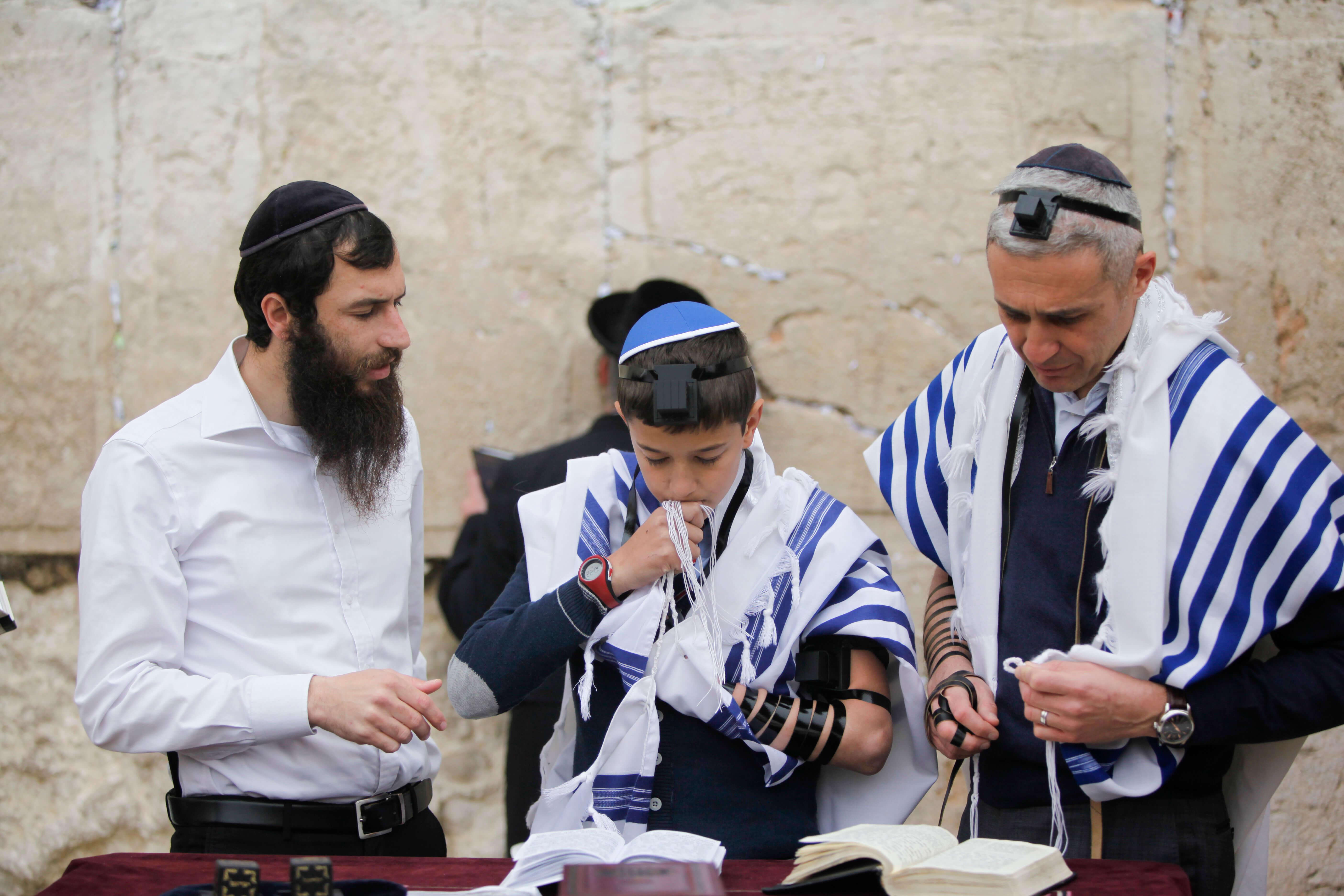 Joodse cultuur vakanties israel - Feestelijke bar ...